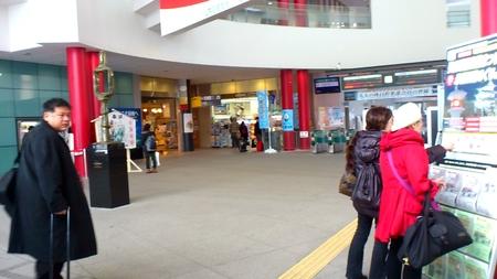 函館駅へ_b0106766_16444640.jpg