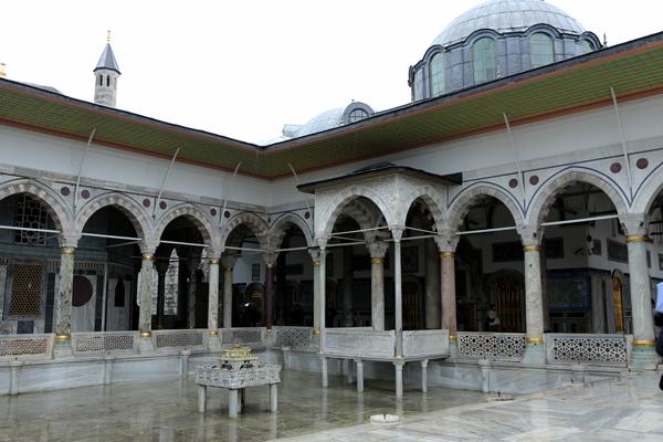 トルコ旅行  イスタンブール トプカプ宮殿_e0154202_2344521.jpg