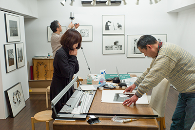 DGSM Print「7人の写真家」展 vol.2の展示作業!_b0194208_22523739.jpg
