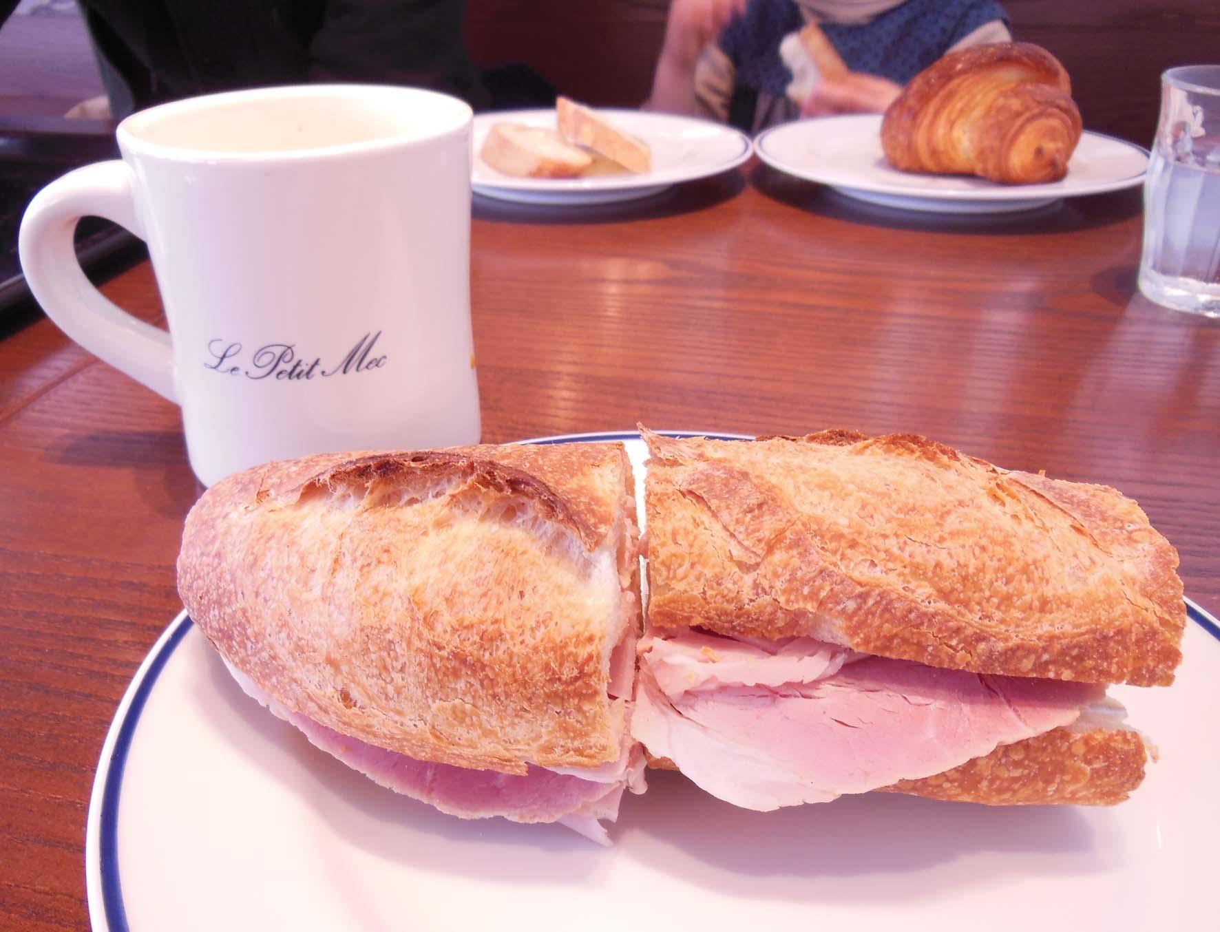 明治通りのパン屋Refectoire*le petit mecだよ_a0166313_1915279.jpg