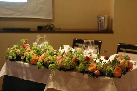 ウエディングパーティの装花 シェアできるメインテーブル装花 コルテージア様へ_a0042928_201757.jpg