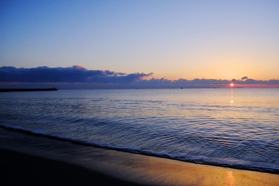 朝の海岸_b0161248_1158694.jpg