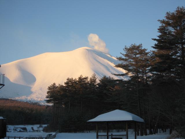 真っ白な「浅間山」_f0146620_2239364.jpg