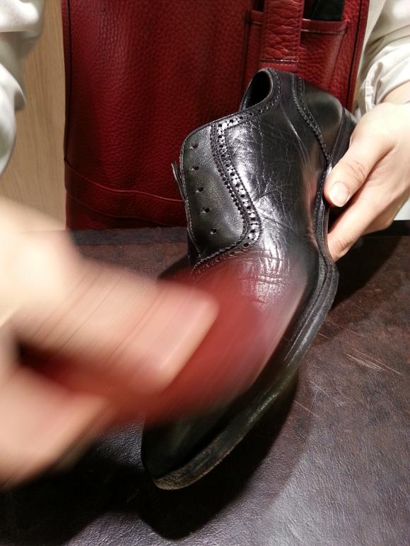 冬こそ革靴のクリーニングを_b0226322_13125287.jpg