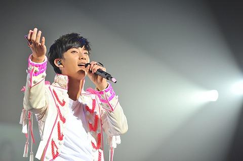 B1A4  日本1stコンサート、1万人のファンの熱い声援を受けスタート_e0197970_1616179.jpg