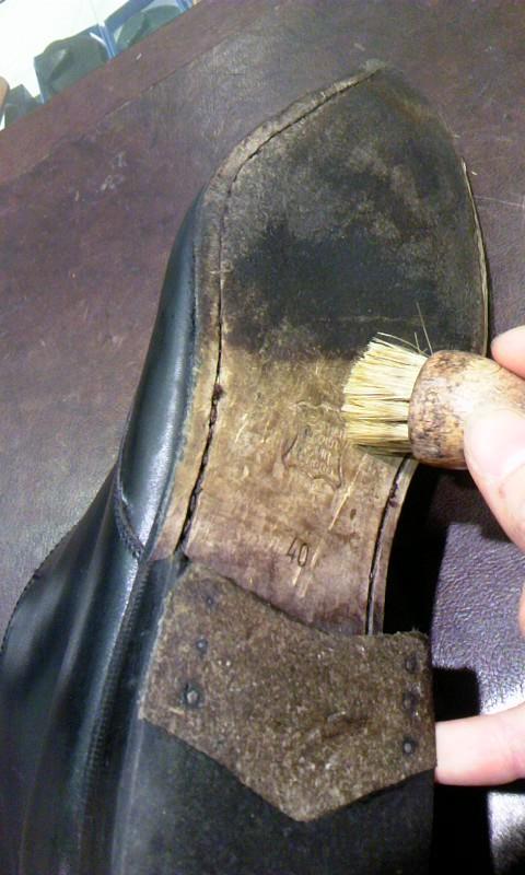 見えない部分も靴の一部!_b0226322_1920415.jpg