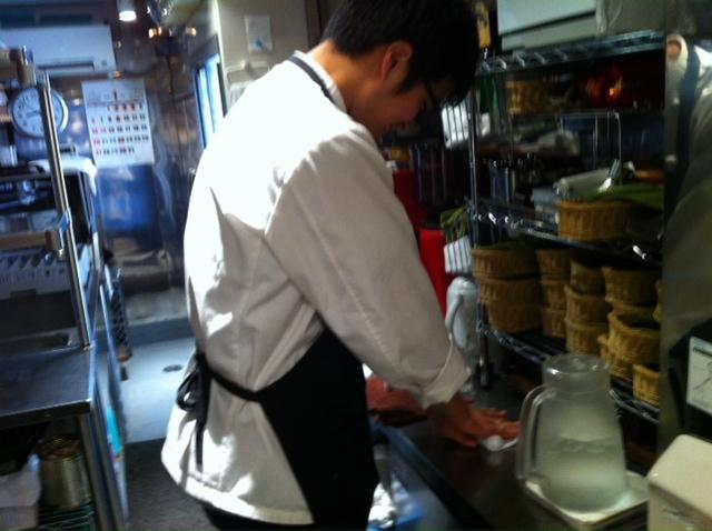 Gene DINING 裏方の仕事&1月30日(水)のランチメニュー_d0243849_23493755.jpg