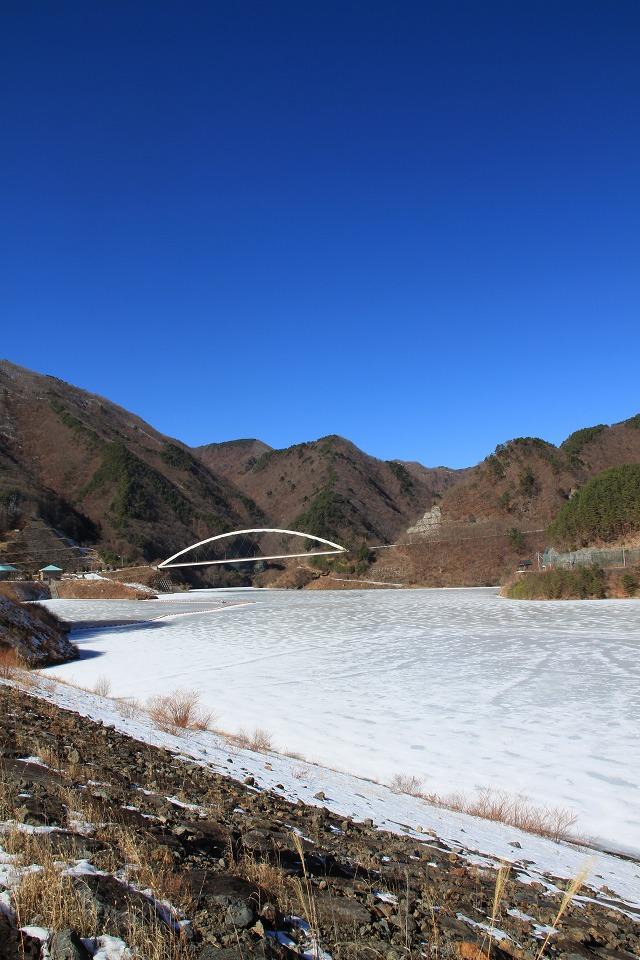 みずがき湖全面結氷・・・_b0100253_16303372.jpg