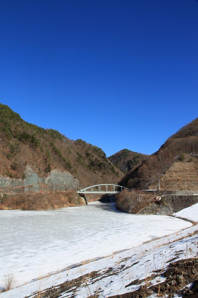 みずがき湖全面結氷・・・_b0100253_16345083.jpg