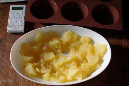 キシノウエン産シラネ全粒粉でりんごマフィンを焼く_c0110869_15563332.jpg