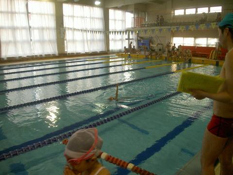 進級チャレンジ!!背泳ぎ!!_b0286596_1927012.jpg