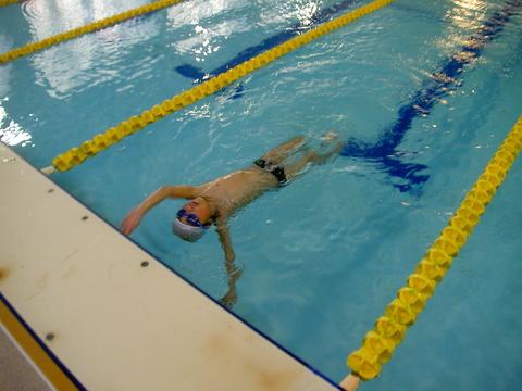 進級チャレンジ!!背泳ぎ!!_b0286596_19281363.jpg