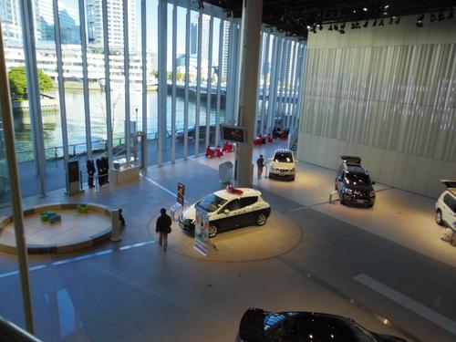 日産グローバル・メディア・センターを訪問_e0123104_7285075.jpg