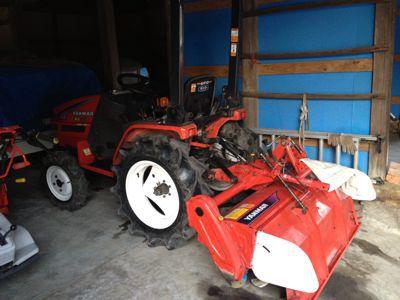 初トラクター_a0300410_195031100.jpg