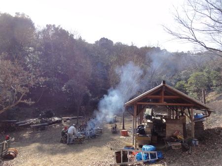 「バンブーハウス」竹屋根葺き替え作業完成 in  孝子の森_c0108460_0472885.jpg