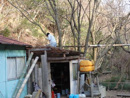 「バンブーハウス」竹屋根葺き替え作業完成 in  孝子の森_c0108460_057248.jpg
