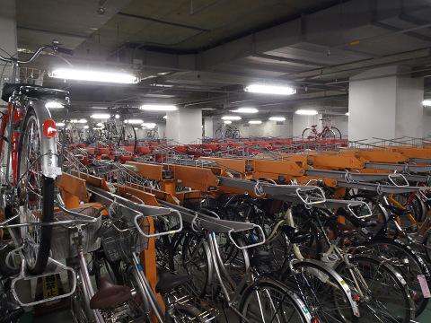 冬の駐輪場_b0074601_1041345.jpg