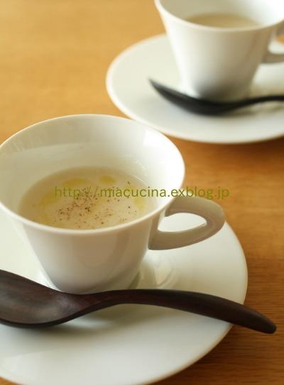 トピナンブールのスープ_b0107003_144571.jpg