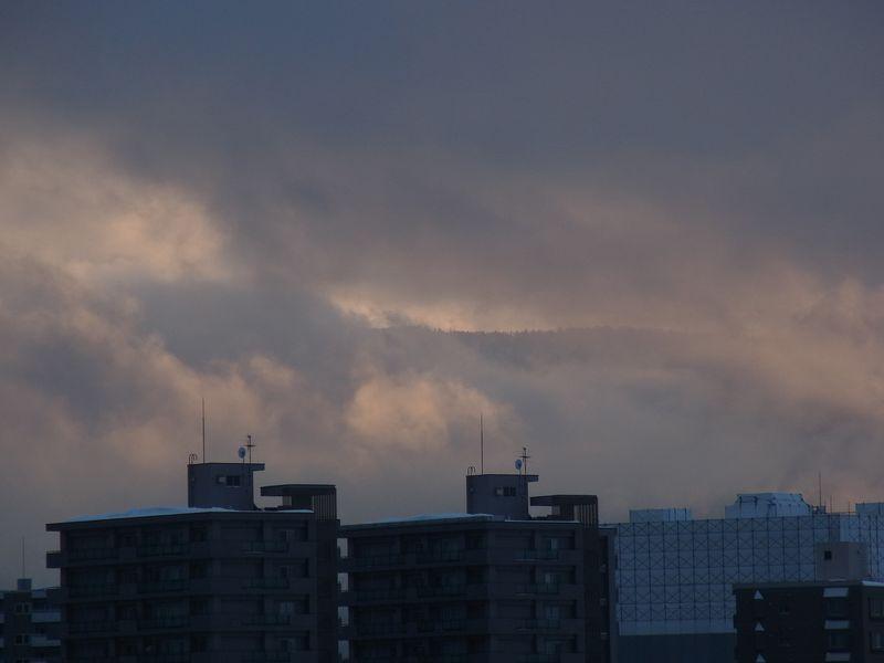 垣間見た春の夕陽_c0025115_20363520.jpg