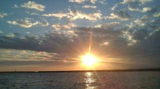 きれいな夕日やぁ(^o^)_b0124144_23132132.jpg