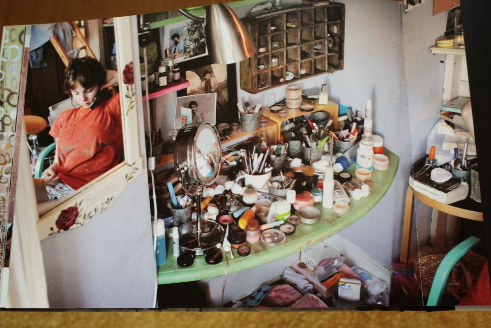 Rania Matar 「A Girl and her Room」_c0016177_16281771.jpg