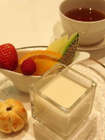 紅茶教室TEA MIEでガレット・デ・ロワの会_d0104926_715477.jpg