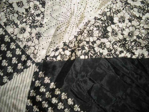 スカーフとワッペン&ステッカー。_d0256914_0542118.jpg