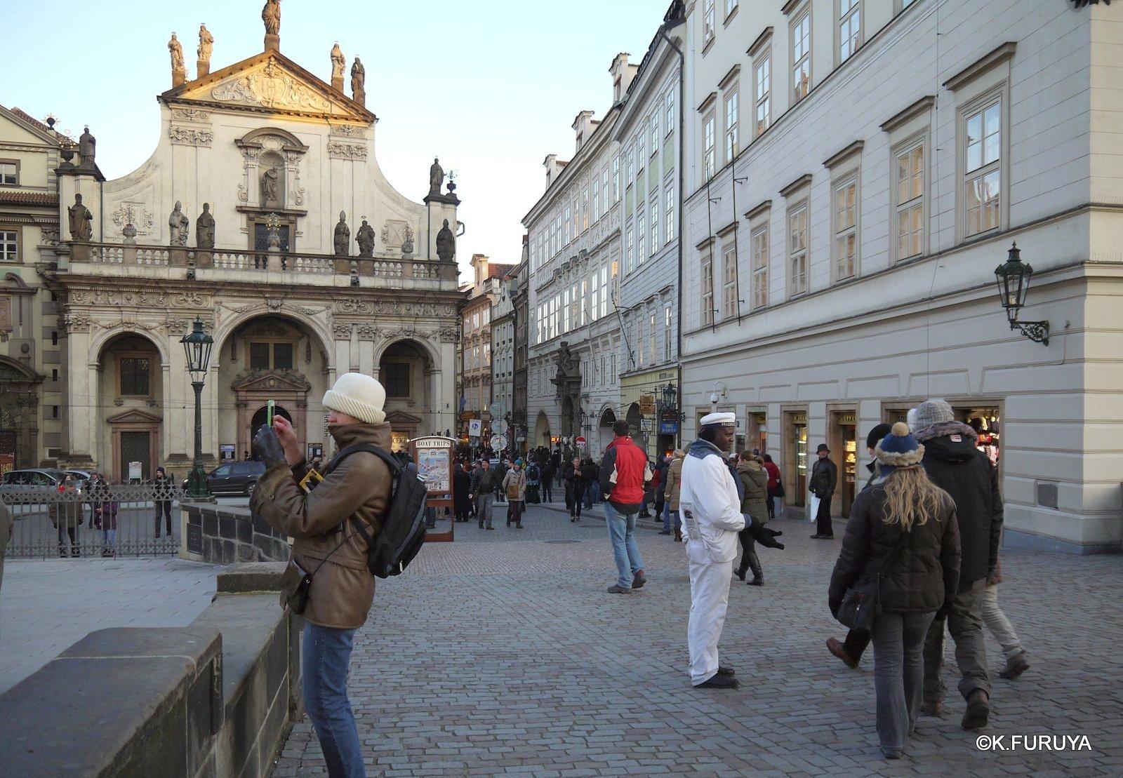プラハ 8 カレル橋から旧市街へ_a0092659_1628350.jpg