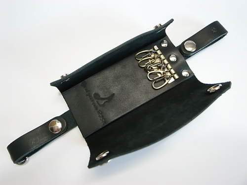 LEATHER KEY-CASE_a0097901_1433237.jpg