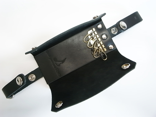 LEATHER KEY-CASE_a0097901_1433992.jpg