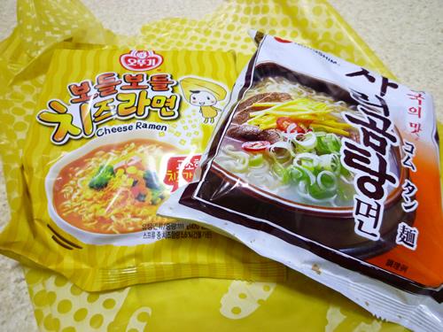 【新大久保情報】ドンキホーテで韓国食材のお買い物_c0152767_2227113.jpg