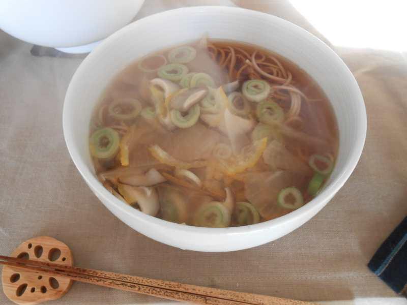 禅僧のような朝ご飯と昼ご飯_a0095931_12515898.jpg