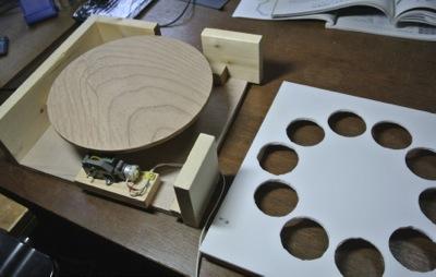 孵卵器・ターンテーブル(回卵盤)完成_c0063348_1636521.jpg