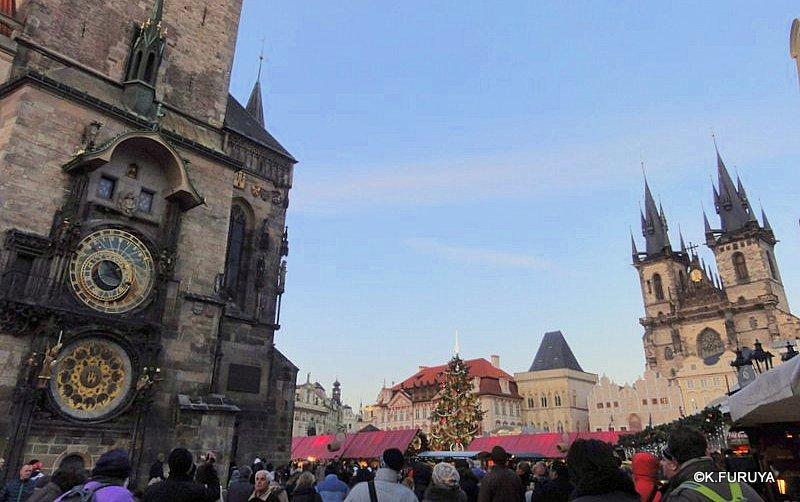 プラハ 9  旧市街広場_a0092659_22395469.jpg
