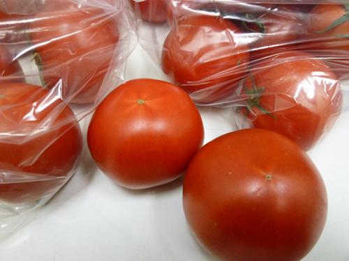 麗トマトと夜須トマト_c0152767_21233046.jpg