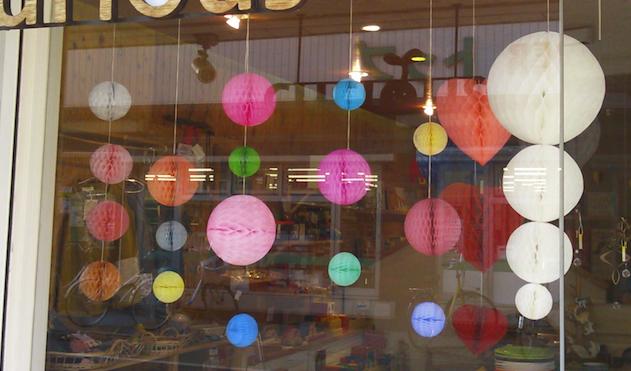 リトアニア製ハニカムペーパーボールが4サイズ展開になってカラーが増えました!_a0121669_2473710.jpg