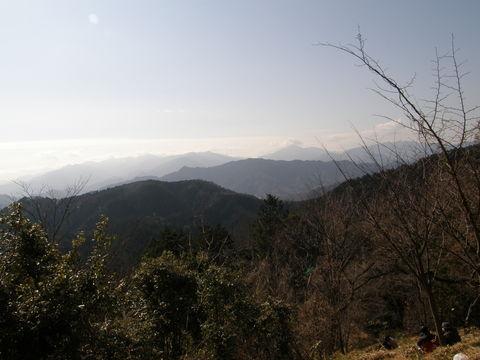 日溜りハイク 高尾から小仏峠_e0232277_10514180.jpg