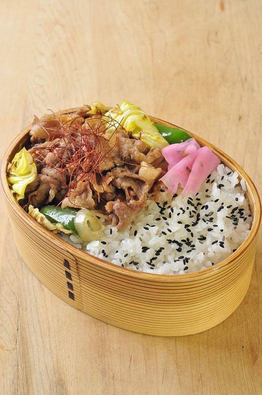豚肉丼弁当_b0171098_812871.jpg