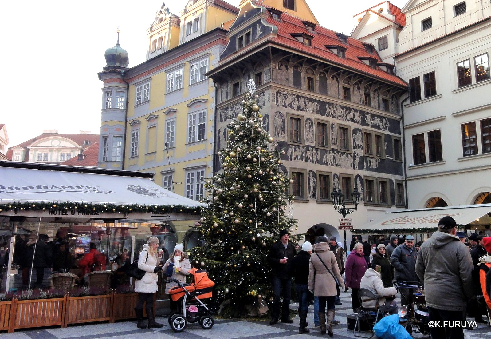 プラハ 9  旧市街広場_a0092659_2116476.jpg