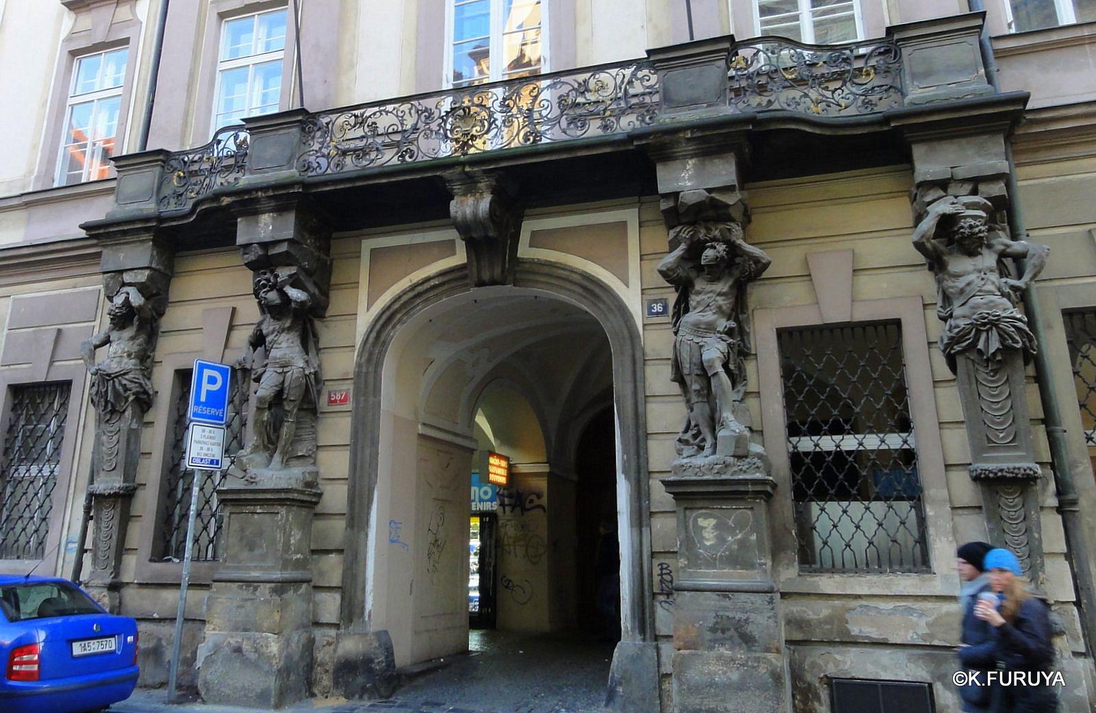 プラハ 9  旧市街広場_a0092659_21532717.jpg