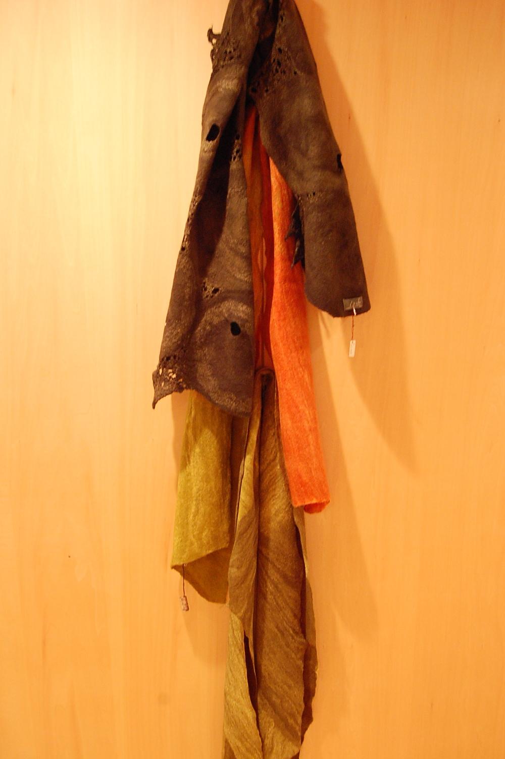 内山礼子さんのフェルト作品が届きました。_a0112812_2220188.jpg