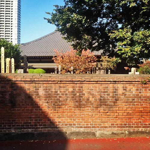 品川用水流末の断片と点在する赤煉瓦_c0163001_0115738.jpg