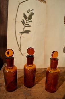 古い小瓶 仲間入り_d0263815_17123780.jpg