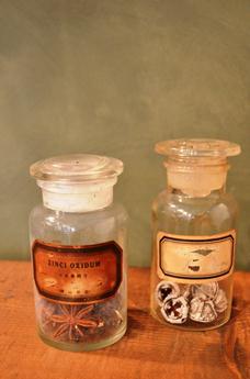 古い小瓶 仲間入り_d0263815_1785012.jpg