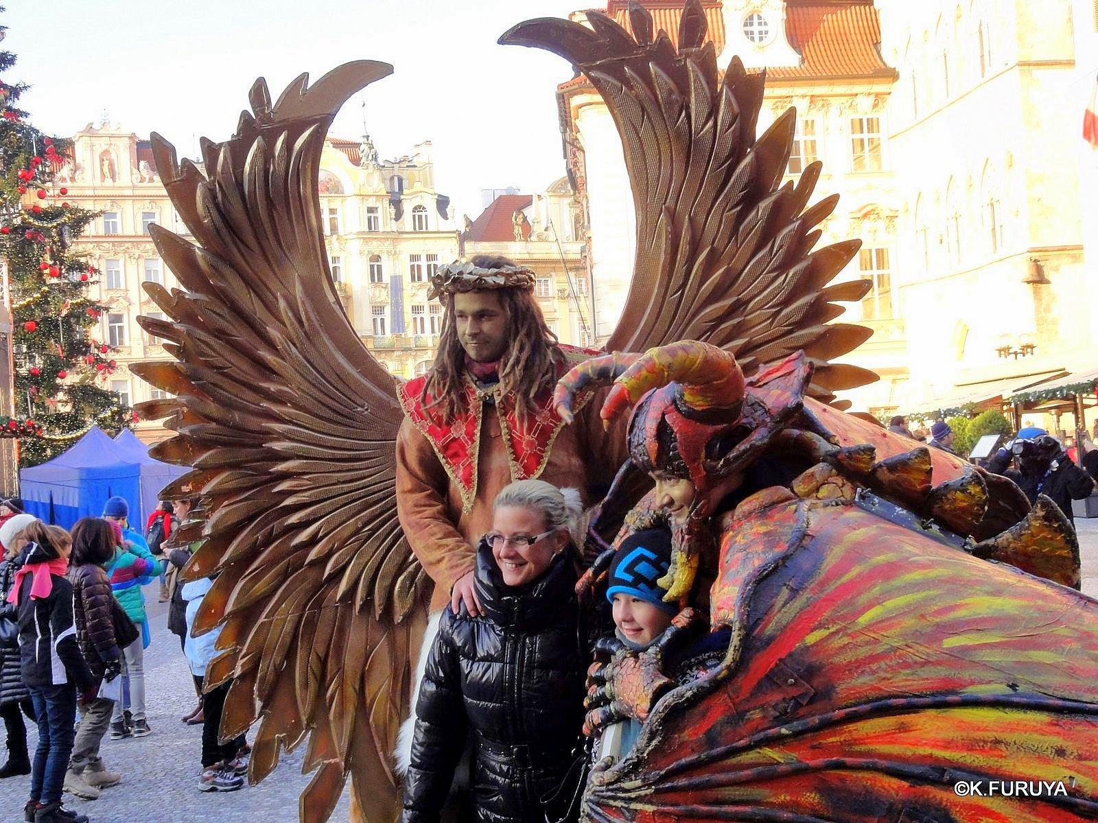プラハ 10 旧市街広場のパフォーマー_a0092659_2123568.jpg