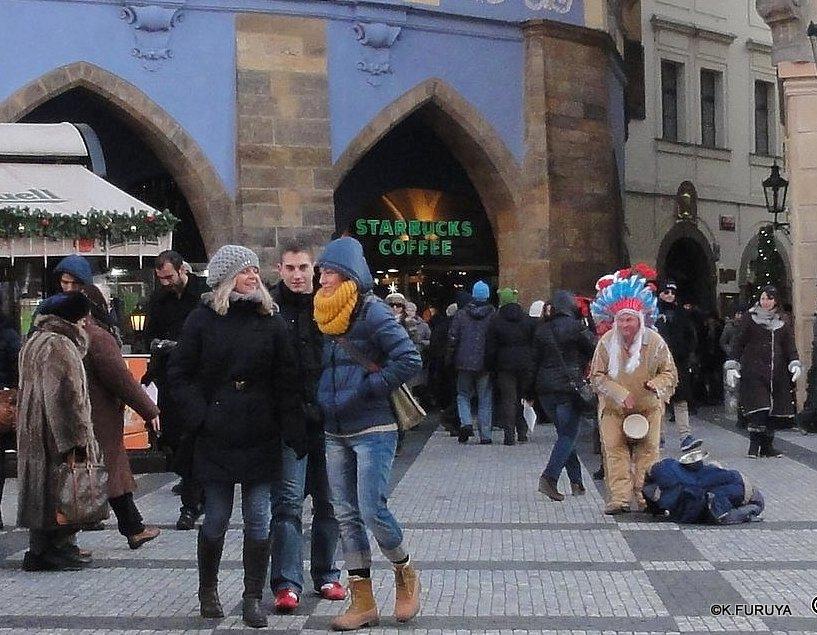 プラハ 10 旧市街広場のパフォーマー_a0092659_2157501.jpg
