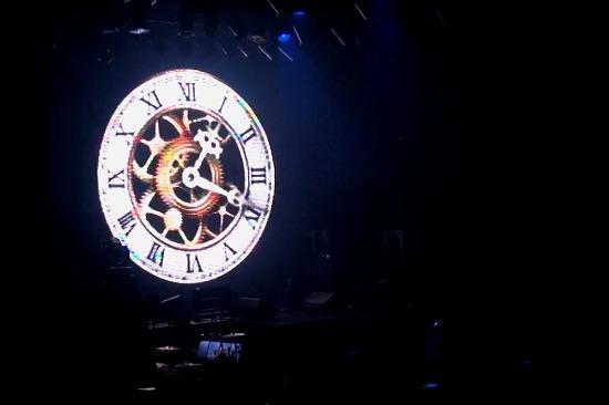 元FANATIC◇CRISISの石月努、渋公ワンマンで「生涯音楽活動も続けていく」と宣言_e0197970_005063.jpg