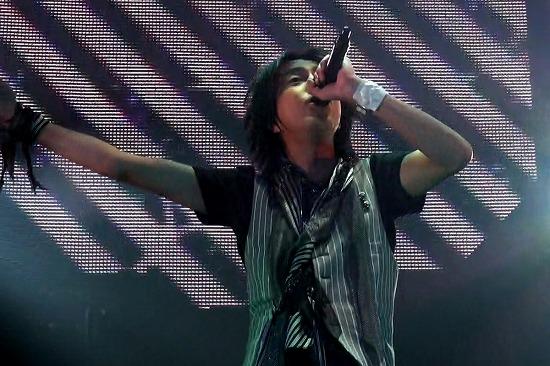 元FANATIC◇CRISISの石月努、渋公ワンマンで「生涯音楽活動も続けていく」と宣言_e0197970_01410.jpg