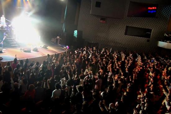 元FANATIC◇CRISISの石月努、渋公ワンマンで「生涯音楽活動も続けていく」と宣言_e0197970_015179.jpg