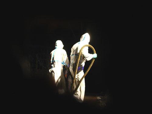 『NADJA 夜と骰子とドグラマグラ』開幕 (水族館劇場)_b0005281_1702920.jpg